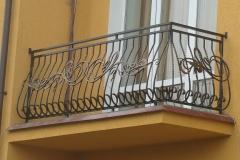 Kovannye-balkonnye-ograzhdeniya-14